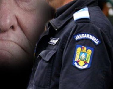 VIDEO - Incident șocant: Bătrân agresat de jandarmi