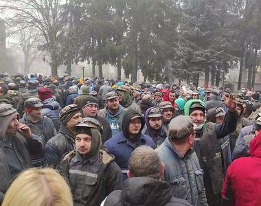 Protestele minerilor nu se mai termină. Sute de bărbați au ieșit în stradă