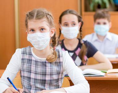 Alți elevi confirmați cu Sars-Cov-2. Se închid sau nu şcolile?