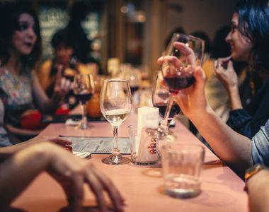 Țara în care se vor redeschide restaurantele de la 1 martie. Cluburile se vor deschide...