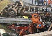 A fost activat planul ROȘU de intervenție la un accident cu 10 victime. Doi pasageri din microbuz au murit UPDATE