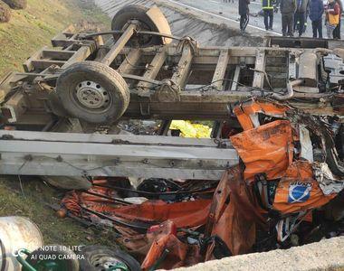 A fost activat planul ROȘU de intervenție la un accident cu 10 victime. Doi pasageri...