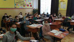 Şapte şcoli funcţionează în scenariul roşu din cauza cazurilor de COVID-19