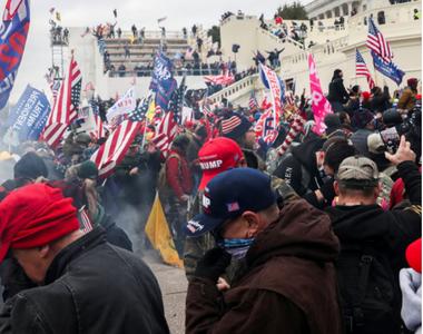 Peste 300 de persoane au fost puse sub acuzare în urma atacului de la Capitoliu