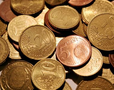 Cursul valutar, BNR, al zilei de azi. Care este situația la casele de schimb valutar la...