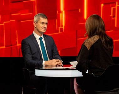 """Astăzi, de la 23:30, Dan Barna face clarificări la """"40 de întrebări cu Denise Rifai"""""""