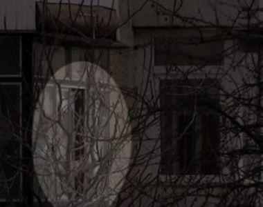 VIDEO - Un bărbat înnebunit de furie a ucis doi ostatici într-un apartament