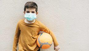 Masca de protecție, obligatorie la orele de sport