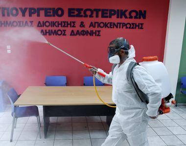 Lockdown prelungit și noi restricții dure. Grecia trece prin perioada cea mai grea a...