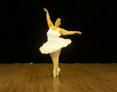 VIDEO - O tânără balerină din Brazilia ne dă o adevărată lecție de viață