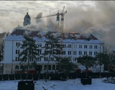 De la ce a pornit incendiul care a ars Prefectura Sucevei? Ce au transmis autoritățile