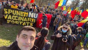 Protest de ultima oră în București. Lumea se revoltă față de vaccinarea obligatorie