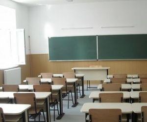 În ce condiții vor susține elevii examenele naționale, dacă mai multe localități din țară vor fi carantinate