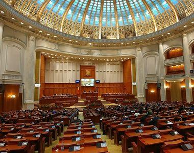Deputații au adoptat proiectul de lege prin care angajatorii pot reduce timpul de muncă...