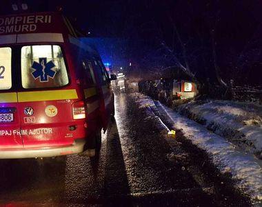 Accident de ultima oră. O ambulanță a ieșit de pe șosea: o adolescentă gravidă, în...