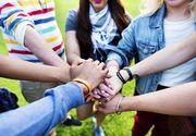 VIDEO - Psihologii ne spun ce să facem ca să găsim prietenii adevărați