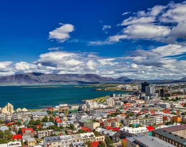 Islanda îşi va deschide frontierele pentru turiştii vaccinaţi anti-COVID-19