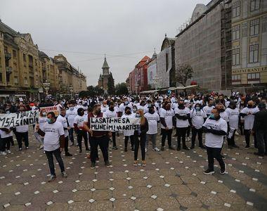 VIDEO - Angajații din industria HORECA au protestat față de carantină