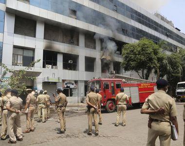 Incendiu cu cel puțin 10 morți, la un centru comercial în care se află un spital cu...