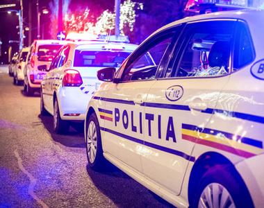 Un polițist a fost înjunghiat chiar în curtea unei secții de poliție