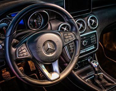 Ce poți face să scapi de mirosurile neplăcute din mașină