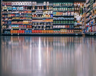 VIDEO-Stare de alertă. Guvernul schimbă regulile de acces în magazine
