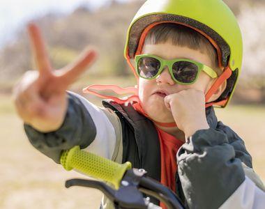 Nimic mai presus de sanatatea copilului tau: cumpara-i o casca moto de protectie!