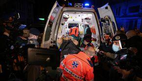 VIDEO | Uluitor: Bolnavi evacuaţi în creierul nopţii