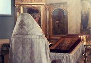 """Povestea părintelui Constantin care îngrijește spiritual pacienții CORONAVIRUS: """"Îmi pun trei măști"""""""