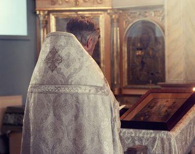 """Povestea părintelui Constantin care îngrijește spiritual pacienții CORONAVIRUS: """"Îmi..."""