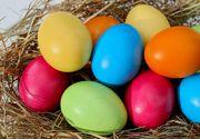 Cum să vopsești natural ouăle de Paște. Trucul pentru un luciu perfect