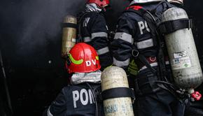 Incendiu în Capitală! Un magazin de haine, în flăcări