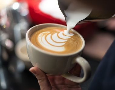 Ziua buna incepe cu o cafea Julius Meinl! Bucura-te in fiecare dimineata de o savoare...
