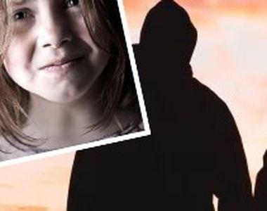 VIDEO - Doi concubini își țineau copiii înfometați și îi abuzau sexual