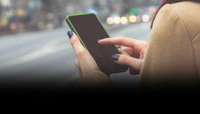 VIDEO| Amendă pentru pietonii care folosesc telefonul mobil când trec strada