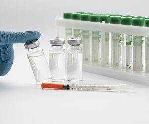 Câte persoane s-au vaccinat în ultimele 24 de ore? A fost raportată o reacție adversă în formă gravă