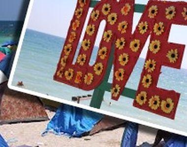 VIDEO - Vama Veche își vrăjește turiștii în continuare cu plaja boemă