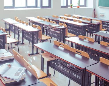 Zi mare pentru elevi. 181.000 dintre ei sunt așteptați la proba de Limbă şi comunicare...