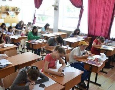 Ministrul Educaţiei: 2,6 milioane de elevi vor merge, începând de luni, la şcoală