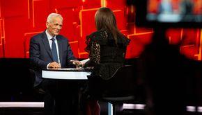 """Theodor Stolojan, adevărul despre lacrimile lui Traian Băsescu, din momentul """"Dragă Stolo!"""" Dezvăluirile fostului premier la """"40 de întrebări cu Denise Rifai"""" VIDEO"""