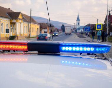 Accident rutier la Cluj. Un microbuz de transport persoane s-a răsturnat în afara DN 1