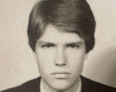 Klaus Iohannis a postat o poză cu el din adolescență. Ce a transmis șeful statului de...