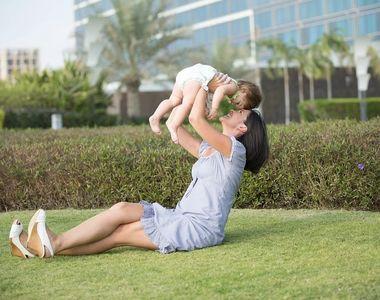 Caz șocant - o mamă care se plimba cu bebelușul a fost înjunghiată mortal. Trei copii...