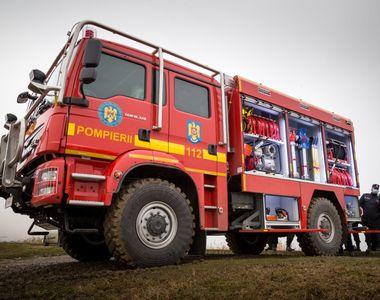 Incendiu puternic la un incinerator lângă Ploieşti. Autorităţile au emis mesaj RO-Alert