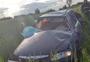 Accident rutier mortal. Cinci tineri s-au răsturnat cu maşina pe câmp