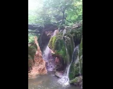 Cascada Bigăr prăbuşită: Imagini dezolante. Este o veste cumplită pentru turismul din...