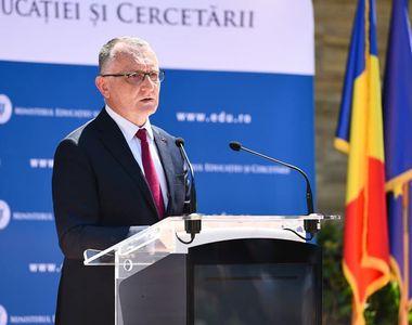 Sorin Cîmpeanu: Sperând cu toții că nu vom avea un al patrulea val, pe 13 septembrie...