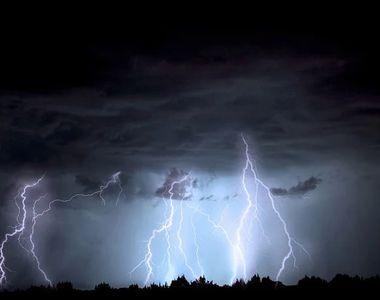Alertă METEO! Cod galben de ploi torenţiale, vijelii şi grindină în mai multe zone din...