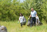"""Președintele Iohannis: """"Trebuie să acceptăm cu toţii că marginea drumului nu este groapă de gunoi.."""""""