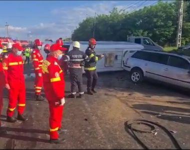Accident rutier de ultima oră, între un microbuz cu copii și o mașină